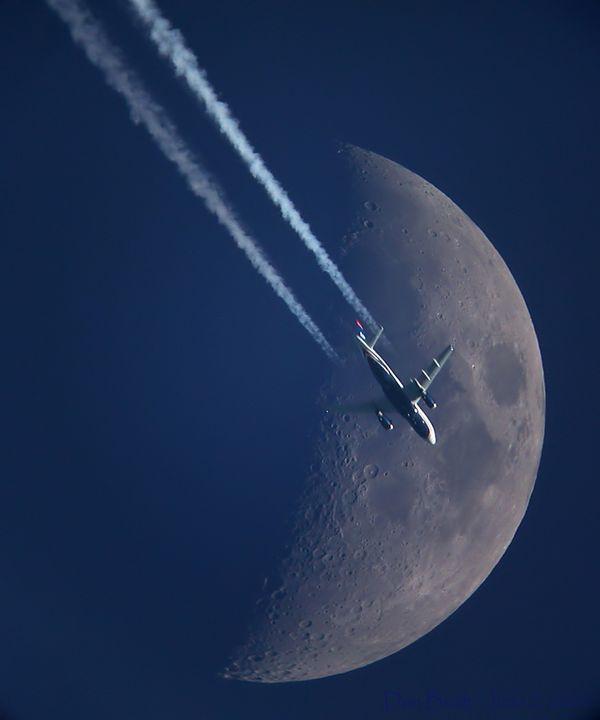 Plane_moon_june_2007