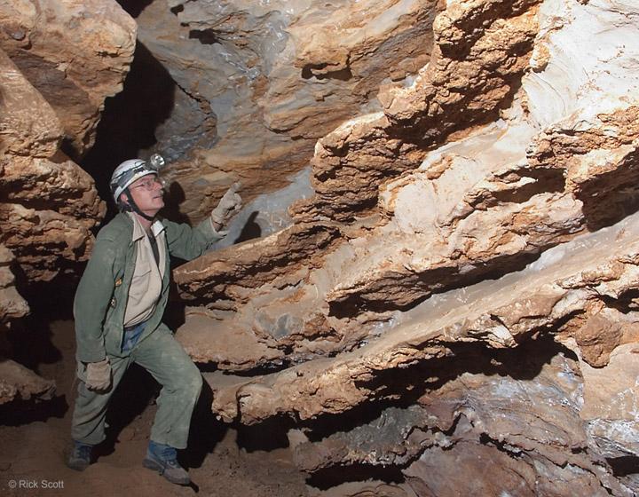Differential-cave-erosion