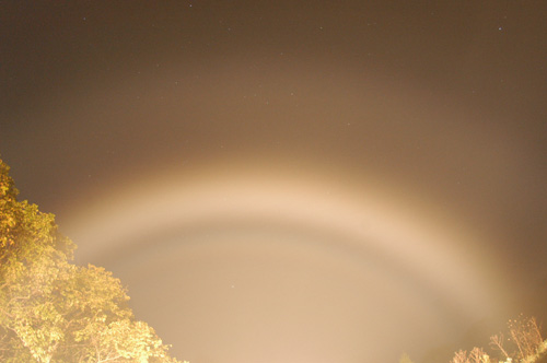 Double_carheadlight_fogbow_10204