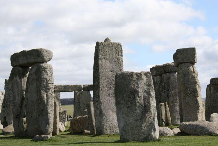 043009_stonehenge