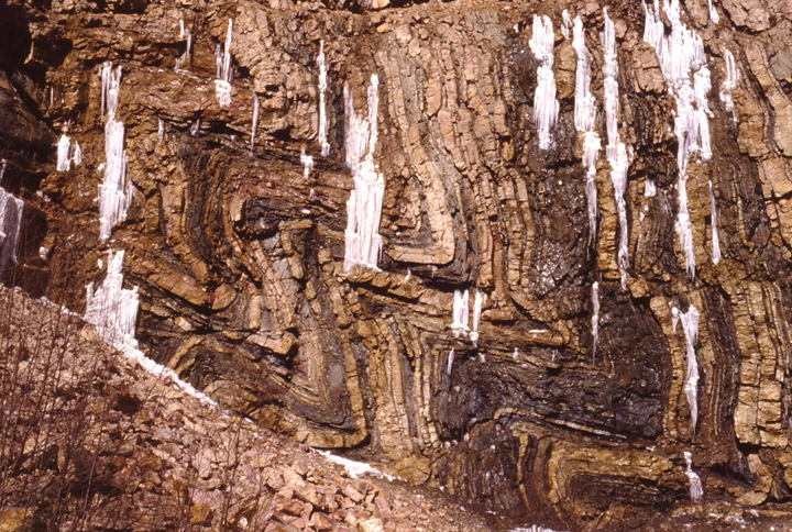 Central_pennsylvania_folded_rocks