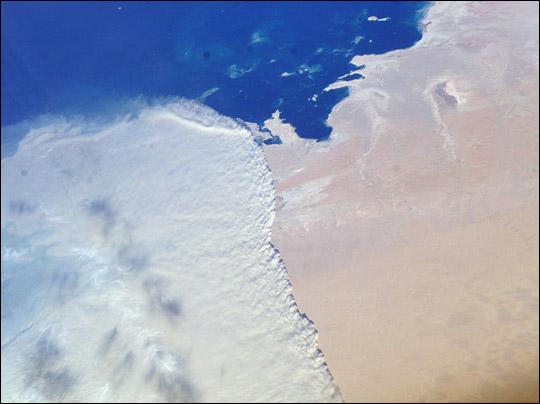 Qatar_iss008-e-16355_1000