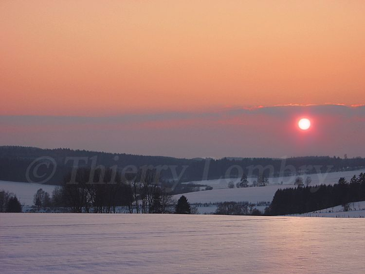 Snow-field-clervaux-north-luxembourg