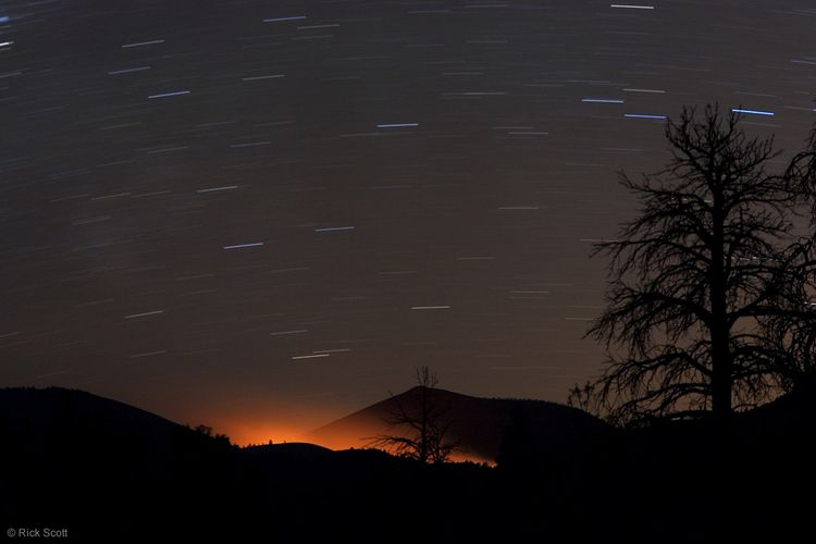 Fireglow_star_trails_12x8