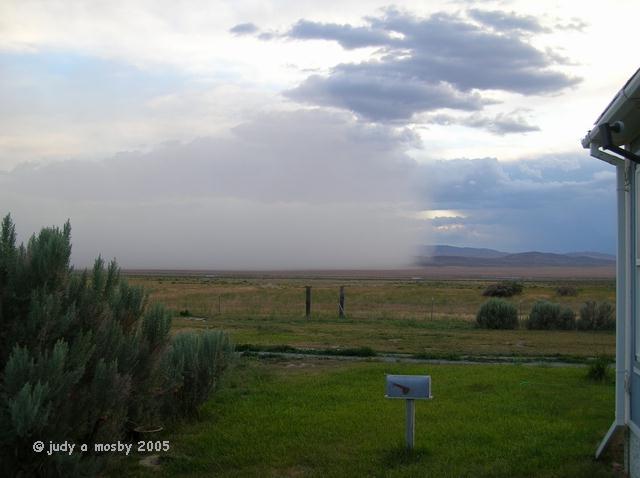 Approaching_alkali_dust_storm
