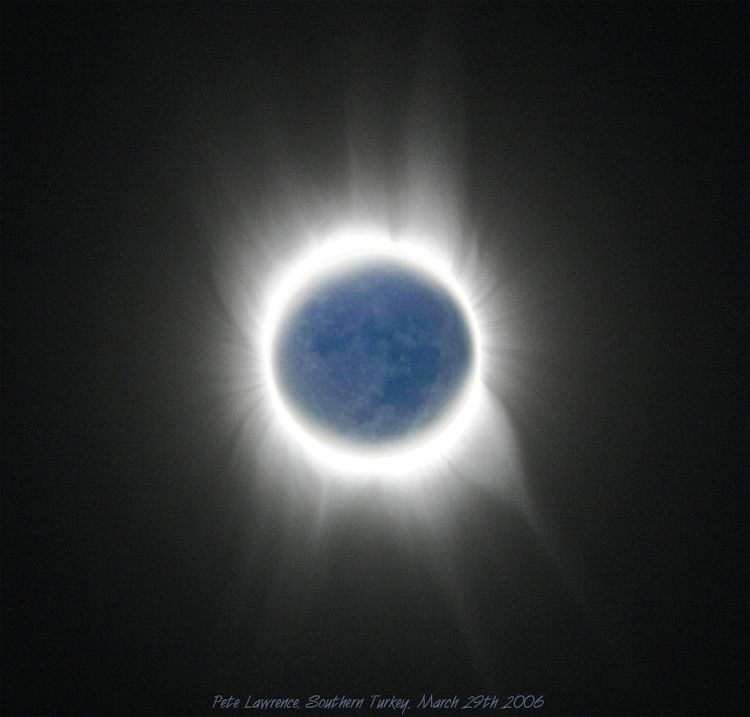 Earthshine-composite_800