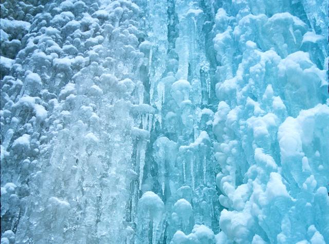 Munising_ice_caves_detail2