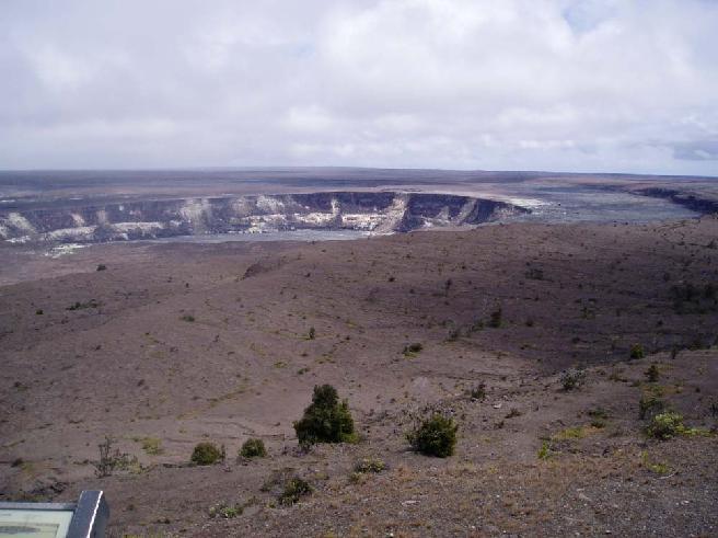 Kilaueacaldera_11